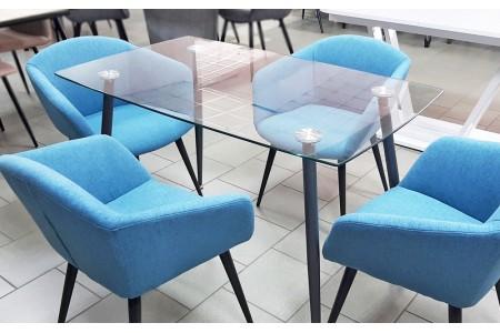 Стеклянный обеденный стол: преимущества и проблемы